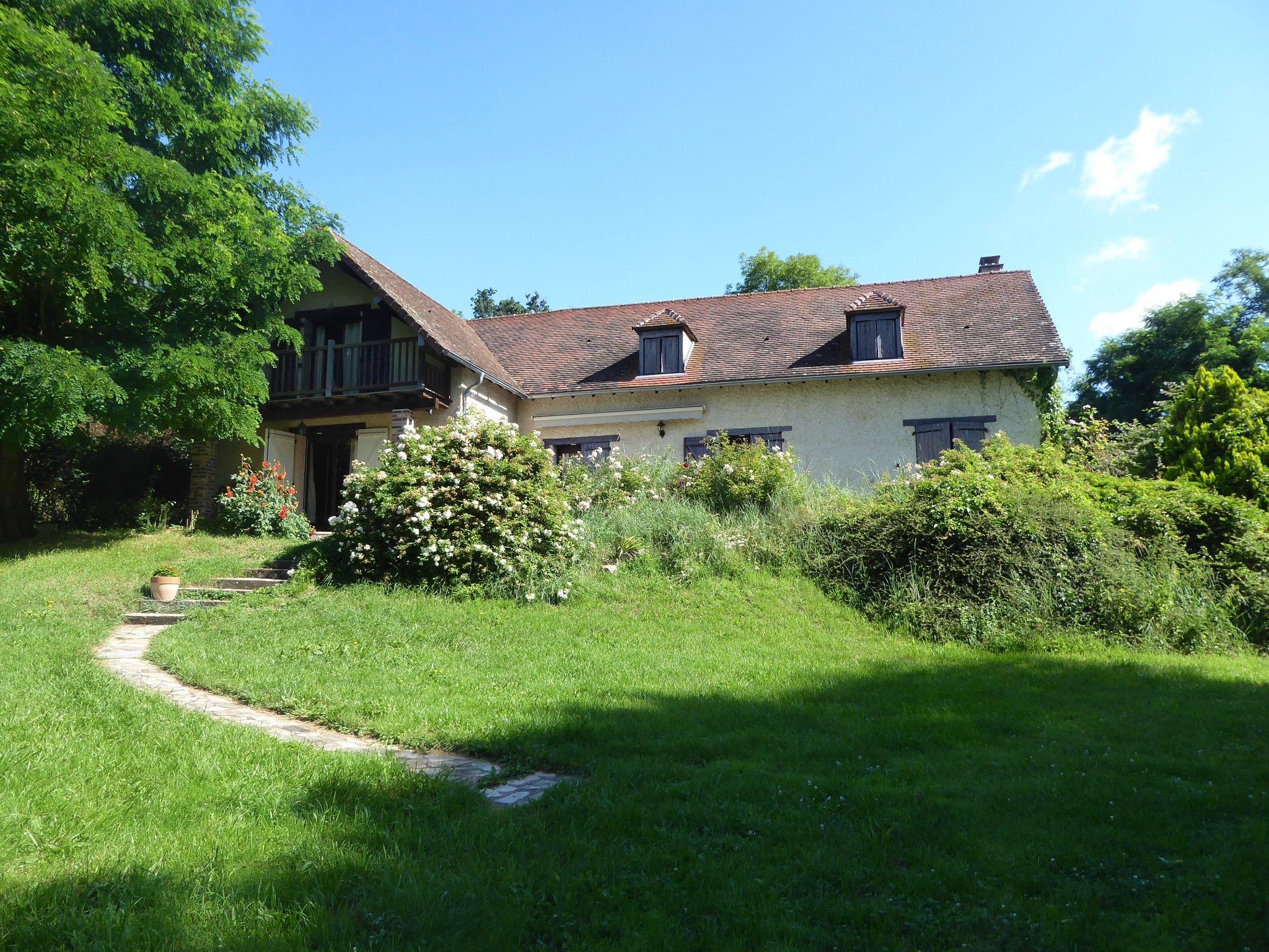 Maison 6 pièces - 190m² - BROUT VERNET